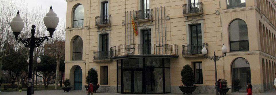 O se loger pr s de hotel gori ayuntamiento de olesa de for Piscina olesa de montserrat