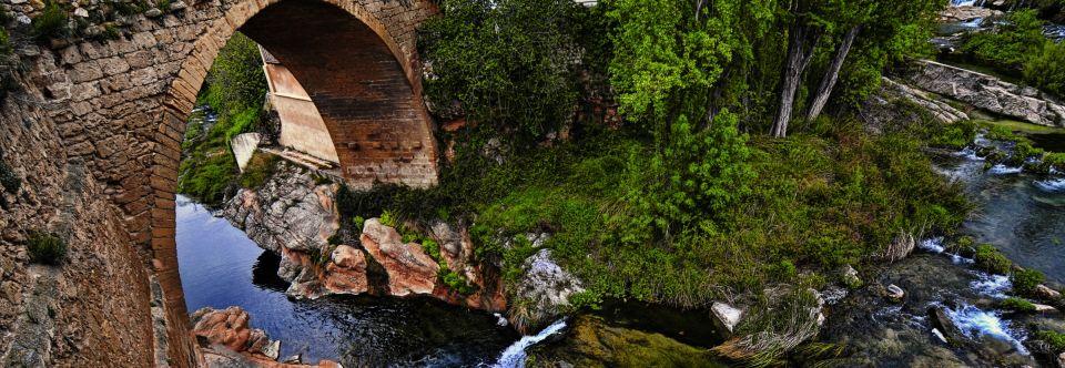 2713382e2 Dónde dormir cerca de Puente de Piedra de Beceite